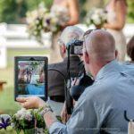 { Invitados fotógrafos } :: Cómo proteger tu boda de ellos