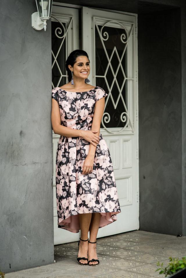 look-invitada-de-matrimonio-vestido-midi-floreado (25)