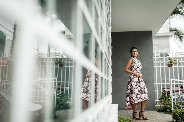 look-invitada-de-matrimonio-vestido-midi-floreado (33)