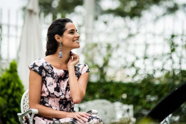 look-invitada-de-matrimonio-vestido-midi-floreado (4)