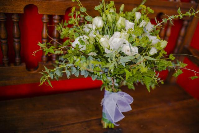 bouquet de novia con follaje