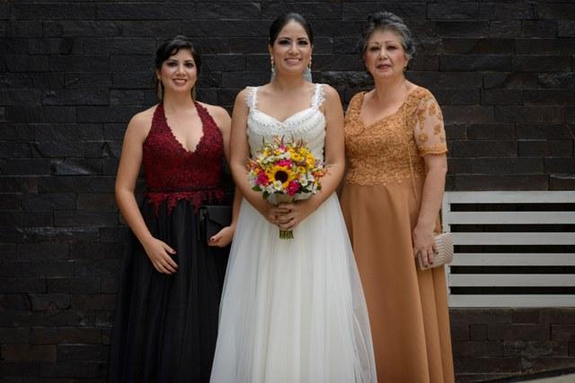 mama y hermana de la novia