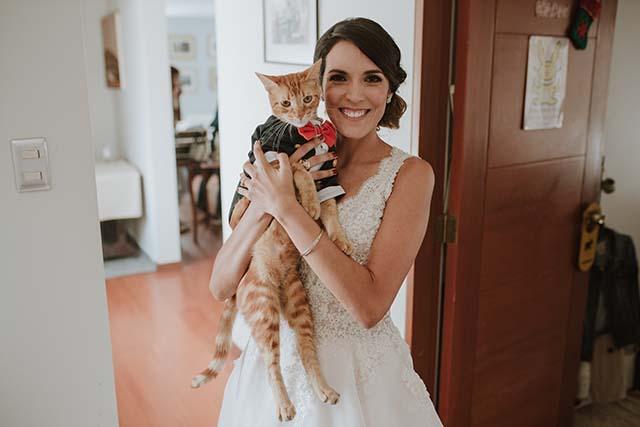 novia y su gatito