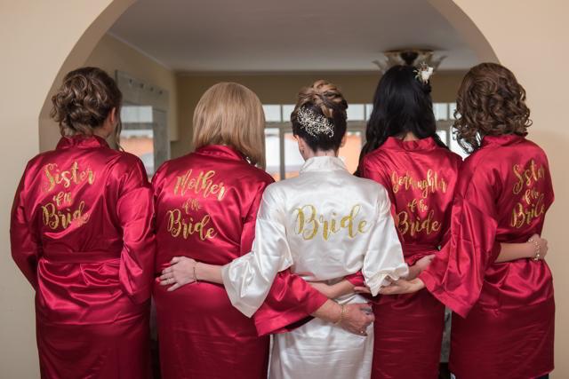 batas personalizadas para la novia y sus damas