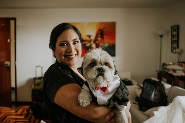 Novia con su perrito