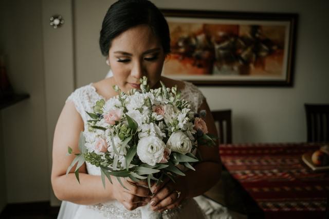 Novia con su bouquet