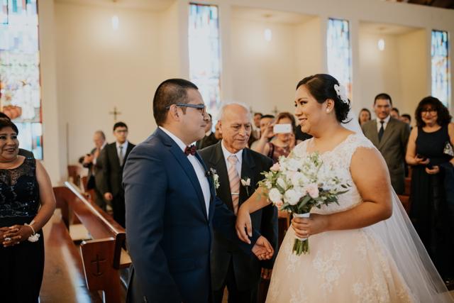 padre entregando a la novia