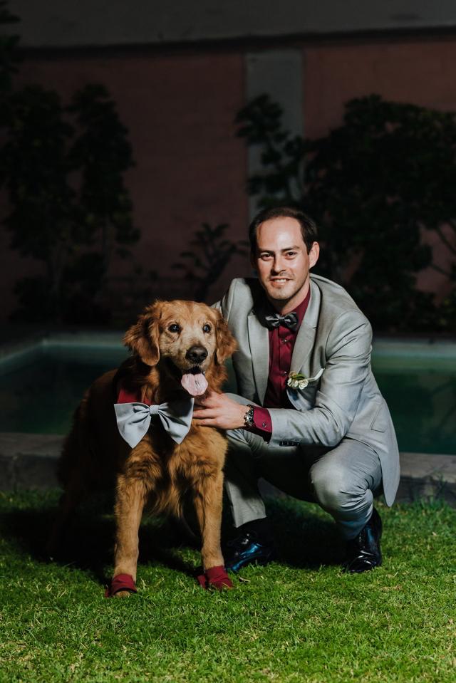 Novio con su perrito