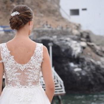 aplicaciones en transparencia en el vestido de novia de luna blanco atelier