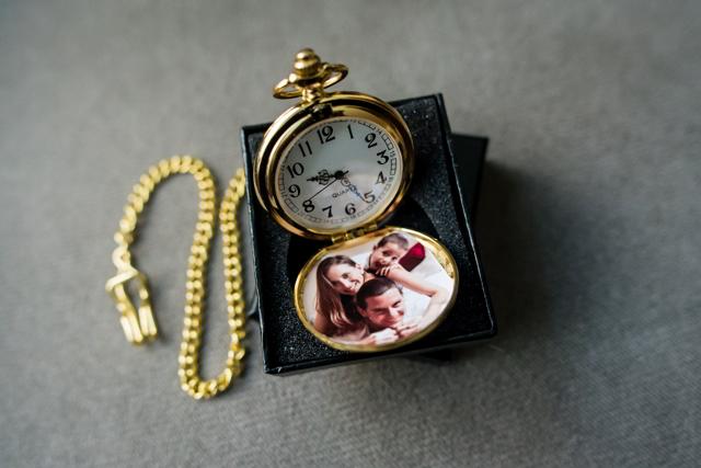 Recuerdo de bodas, reloj con imagen de los novios