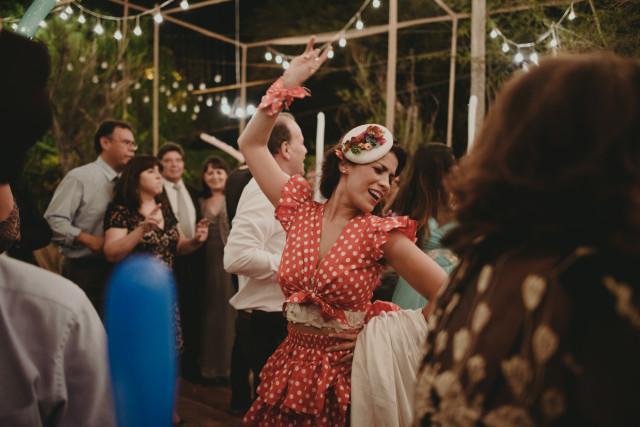 Novia bailando festejo en su boda