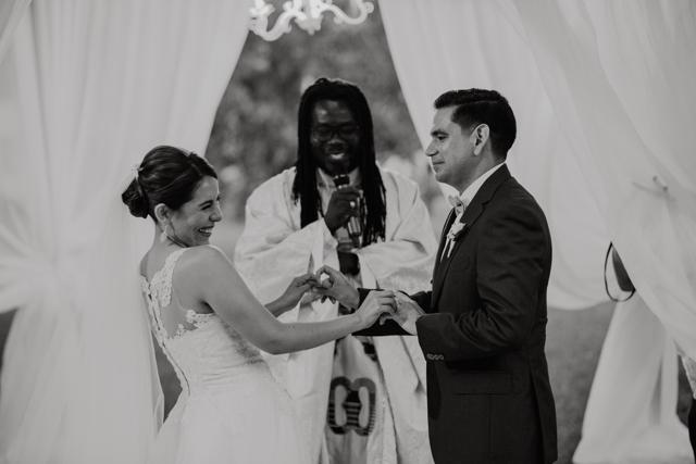novios durante la ceremonia